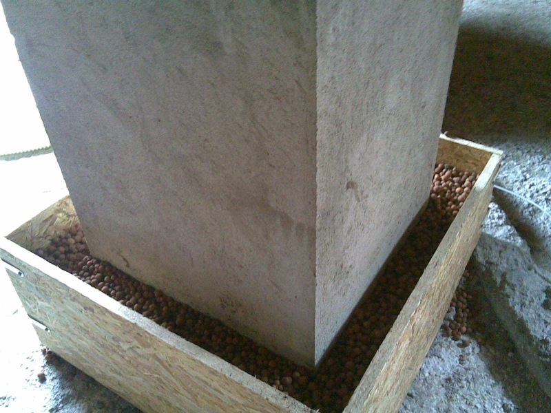 Muret 31 protection chemin e isolation ouate cellulose for Construire un conduit de cheminee exterieur